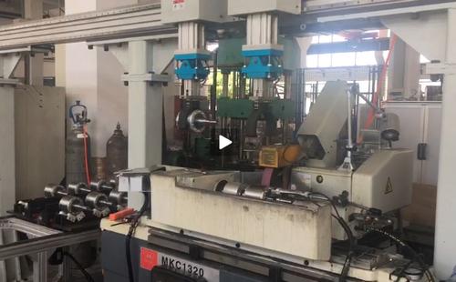 非标大龙门架机械手-外圆磨床视频